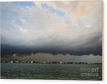 Into The Storm Wood Print by David Lee Thompson