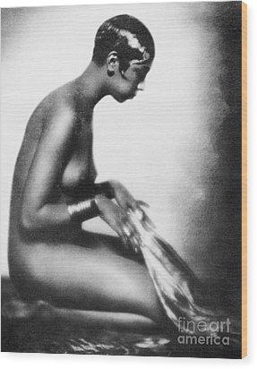 Josephine Baker (1906-1975) Wood Print by Granger
