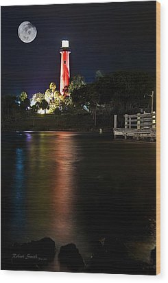Jupiter Lighthouse Wood Print by Robert Smith