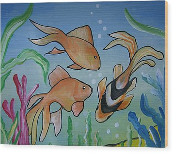 Just Fishy Wood Print by Leslie Manley