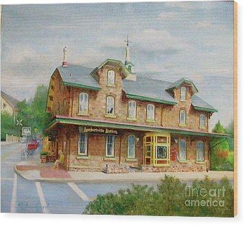 Lambertville Inn Wood Print