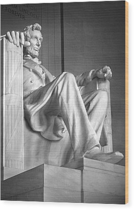Lincoln Memorial Wood Print by Mike McGlothlen