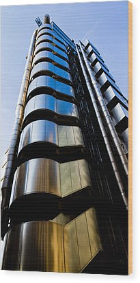 Lloyds Of London  Wood Print by David Pyatt