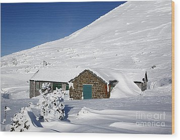 Madison Spring Hut- White Mountains New Hampshire Wood Print by Erin Paul Donovan