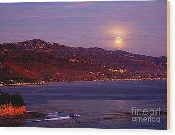 Malibu Moonrise Wood Print by Marc Bittan