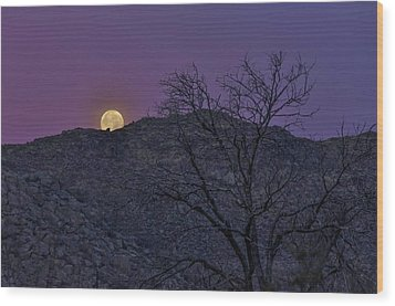 Moon Set At Sunrise Wood Print