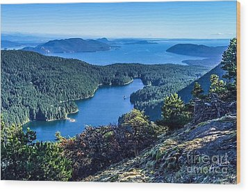 Mountain Lake Wood Print by William Wyckoff
