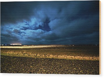 Wood Print featuring the photograph Icelandic Night  by Dubi Roman