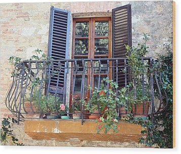 Pienza Balcony Wood Print by Pat Purdy