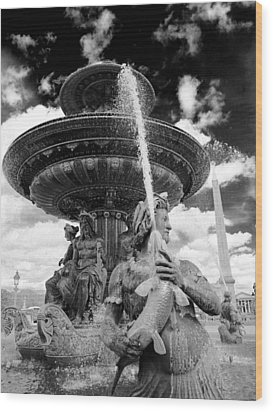 Wood Print featuring the photograph Place De La Concorde Fountain by Heidi Hermes