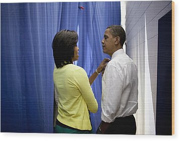 President Barack Obama And First Lady Wood Print by Everett
