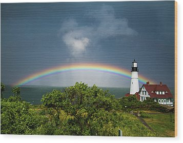 Rainbow At Portland Headlight Wood Print