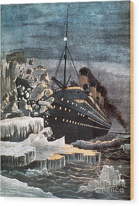 Sinking Of The Titanic Wood Print by Granger