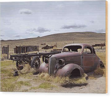 Wood Print featuring the photograph Stalled In Bodie by Gordon Beck