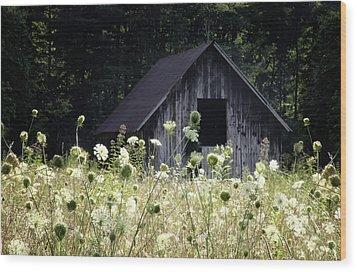 Summer Barn Wood Print by Rob Travis