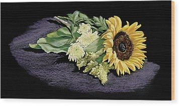 Sunflower Wood Print by Vanda Luddy