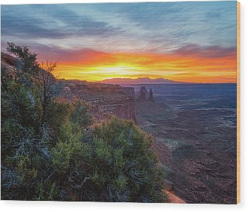 Wood Print featuring the photograph Sunrise Over Canyonlands by Darren White