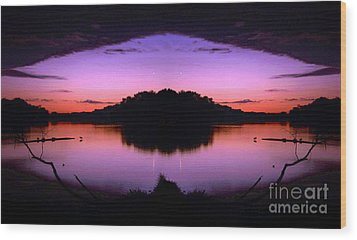 Sunset Kiss Wood Print by Sue Stefanowicz
