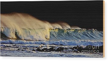 Surfing The Island #2 Wood Print by Blair Stuart