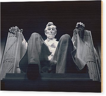 The Abraham Lincoln Statue Wood Print by Rex A. Stucky