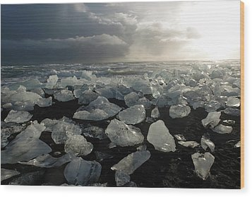 Wood Print featuring the photograph The Diamond Beach, Jokulsarlon, Iceland by Dubi Roman