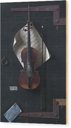 The Old Violin Wood Print