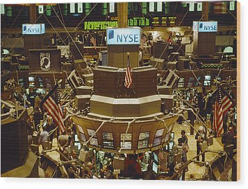 The Trading Floor Of The New York Stock Wood Print by Justin Guariglia