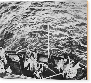Titanic: Lifeboats, 1912 Wood Print by Granger