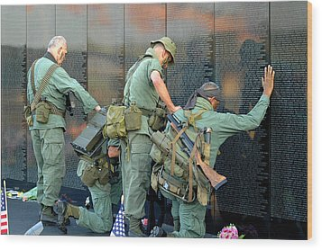 Veterans At Vietnam Wall Wood Print by Carolyn Marshall