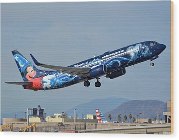 Westjet Boeing 737-8ct C-gwsz Magic Plane Phoenix Sky Harbor January 22 2016 Wood Print by Brian Lockett