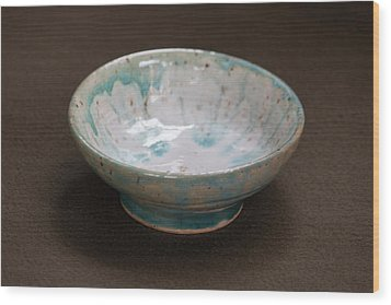 White Ceramic Bowl With Turquoise Blue Glaze Drips Wood Print by Suzanne Gaff