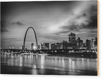 City Of St. Louis Skyline. Image Of St. Louis Downtown With Gate Wood Print by Alex Grichenko