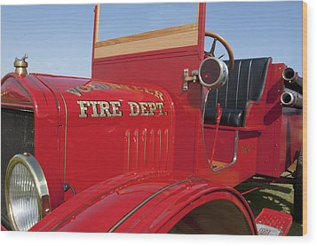 1919 Volunteer Fire Truck Wood Print by Jill Reger