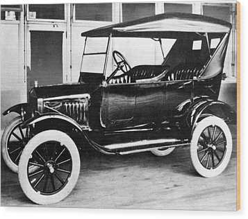 1923 Model T Ford Wood Print by Everett