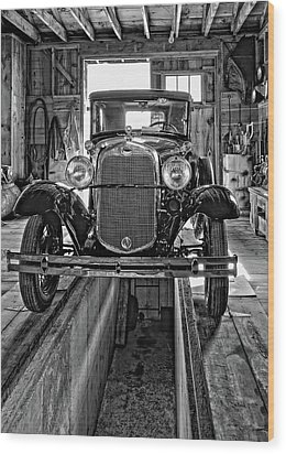 1930 Model T Ford Monochrome Wood Print by Steve Harrington