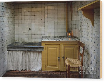 Wood Print featuring the photograph 19th Century Kitchen In Amsterdam by RicardMN Photography