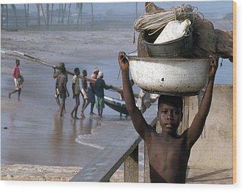 African Fishermen Wood Print