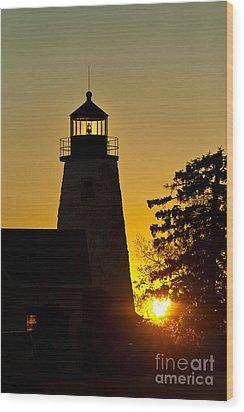 Dyce Head Lighthouse Wood Print by John Greim