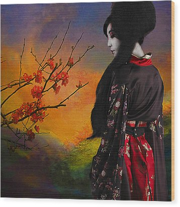 Geisha With Quince Wood Print