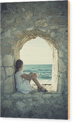 Girl At The Sea Wood Print by Joana Kruse
