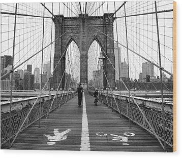 Nyc Brooklyn Bridge Wood Print by Nina Papiorek