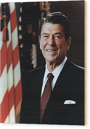 Official Portrait Of President Reagan Wood Print by Everett