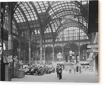 Pennsylvania Station, Interior, New Wood Print by Everett