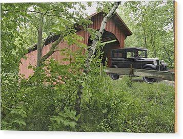 Slaughter House Covered Bridge In Northfield Vermont Wood Print