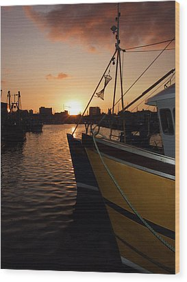 Sunset Over Sutton Harbour Plymouth Wood Print by Chris Day