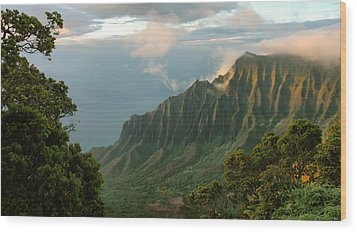 Wood Print featuring the photograph Napali Coast Sunset by Stephen  Vecchiotti