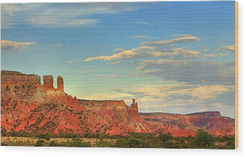 Sunset At Ghost Ranch Wood Print by Alan Vance Ley