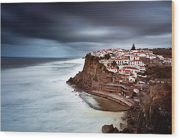 Wood Print featuring the photograph Upcoming Storm by Jorge Maia