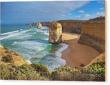 Twelve Apostles Great Ocean Road Wood Print by Bill  Robinson