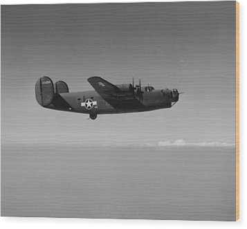 Wwii Us Aircraft In Flight Wood Print by American School